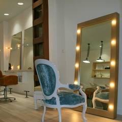 Salón de Estilistas: Espacios comerciales de estilo  de Proyectos ADRA
