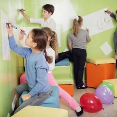 Магнитно-маркерные покрытия в языковой школе ILS: Школы и учебные заведения  в . Автор – IdeasMarket