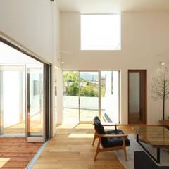 Salas / recibidores de estilo  por 株式会社 T.N.A, Moderno