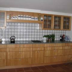 Friesische Fliesen:  Keuken door Rozendonk, Klassiek