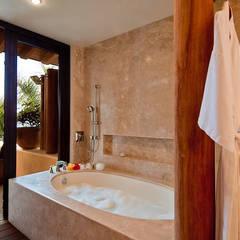 Kupuri : Baños de estilo  por BR  ARQUITECTOS