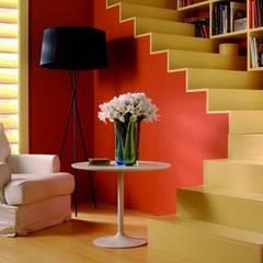 Pasillos y vestíbulos de estilo  por Barcelona Pintores.es