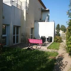 Jardin thérapeutique: Hôpitaux de style  par AGENCE D'ARCHITECTURE BRAYER-HUGON