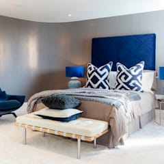 Waterside Apartment by WN Interiors:  Bedroom by WN Interiors of Poole in Dorset
