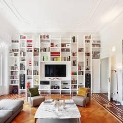 classic Living room by PADI Costruzioni srl