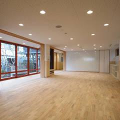 1階保育室: ユニップデザイン株式会社 一級建築士事務所が手掛けた学校です。