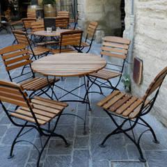 Mobiliario Provence para la Reinasançe en Usez de Silleria Vergés: Bares y Clubs de estilo  de Silleria Verges S.A