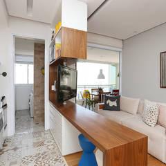 Apartamento LD: Salas de estar  por Duda Senna Arquitetura e Decoração