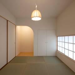 Walls by 宇佐美建築設計室