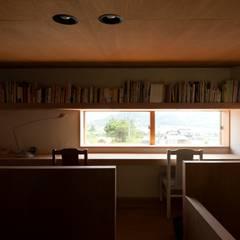大田の家: 宇佐美建築設計室が手掛けた書斎です。,クラシック