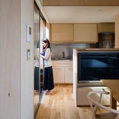 Kitchen by 株式会社リオタデザイン,