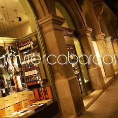 LA SUCURSAL . delicatessen: Espacios comerciales de estilo  de JAVIER CABARCOS
