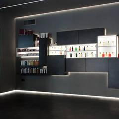 Văn phòng & cửa hàng by Giemmecontract srl.