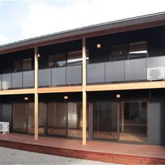 Moderner Balkon, Veranda & Terrasse von 有限会社 起廣プラン 一級建築士事務所 Modern