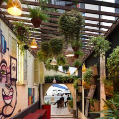 Jardines de estilo  por Luiza Soares - Paisagismo