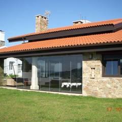 Alzado sur: Casas de estilo  de DE DIEGO ZUAZO ARQUITECTOS