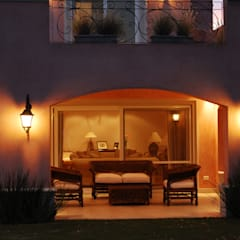 CASA TRADICIONAL: Casas de estilo  por LLACAY arquitectos