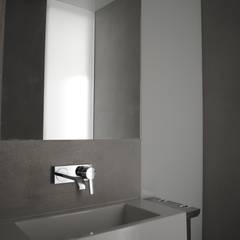 Kampinos łazienka parter: styl , w kategorii Łazienka zaprojektowany przez MITARCHITEKCI