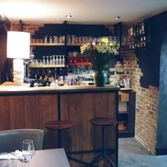 Restaurant/Pizzéria: Restaurants de style  par L'Atelier d'Esquisses
