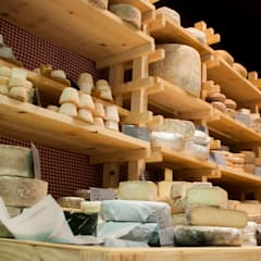 Elkano 1: gazta is cheese: Centros comerciales de estilo  de Hirukistudio