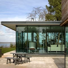 Seaglass House:  Terrace by The Manser Practice Architects + Designers