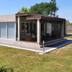 Casa Cube de 100 metros cuadrados: Casas de estilo  de Casas Cube
