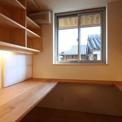 اتاق کار و درس توسطアーキシップス古前建築設計事務所, مدرن