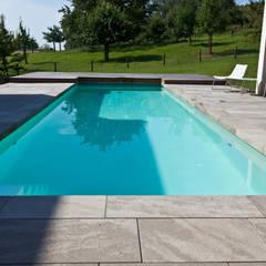 Zwembad door [spafabrik] GmbH  POOL&WELLNESS