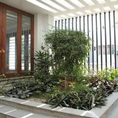 สวน โดย Muraliarchitects, โมเดิร์น