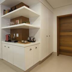 مطبخ تنفيذ Cria Arquitetura,
