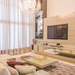 غرفة الميديا تنفيذ Élcio Bianchini Projetos