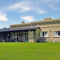 Casa Unifamiliar, Estilo Clasico Rural Argentino en Luján: Casas de estilo  por Opra Nova - Arquitectos - Buenos Aires - Zona Oeste