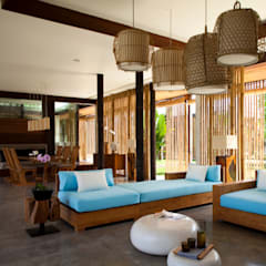 LIVING ROOM homify Salas de estilo tropical