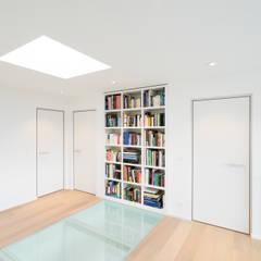 Design binnendeuren met aluminium kozijnen:  Binnendeuren door Anyway Doors