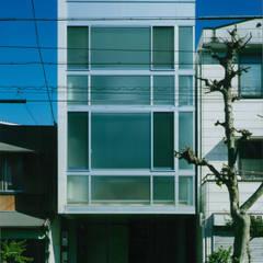 Rumah oleh 原 空間工作所 HARA Urban Space Factory, Modern Besi/Baja