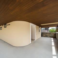 Rumah oleh 一級建築士事務所haus, Asia