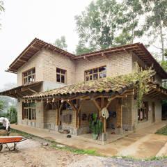 Montessori Tosepan 3:  Schulen von Komoni_Arquitectos