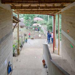Montessori Tosepan 6:  Schulen von Komoni_Arquitectos