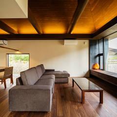 Ruang Keluarga oleh 一級建築士事務所haus, Asia