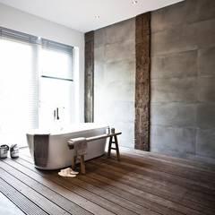 Bathroom by raphaeldesign, Mediterranean