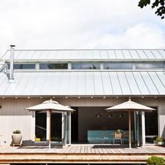Haus Trittau:  Terrasse von raphaeldesign