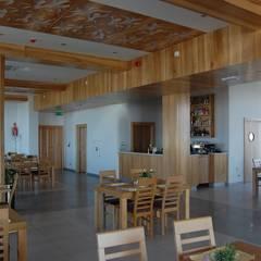 Przegląd przykładowych realizacji: styl , w kategorii Hotele zaprojektowany przez Art&Design Studio Projektowe Kinga Śliwa