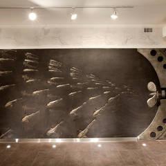 Стена в игровой комнате: Тренажерные комнаты в . Автор – Abwarten!