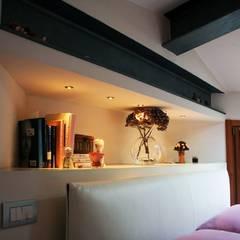 Attico per Bed & Breakfast:  Bedroom by Devincenti Multiliving