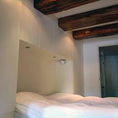 Loft Amsterdam:  Slaapkamer door De Ontwerpdivisie