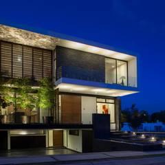 Casa GM: Casas de estilo  por GLR Arquitectos