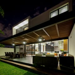 Terrace by GLR Arquitectos