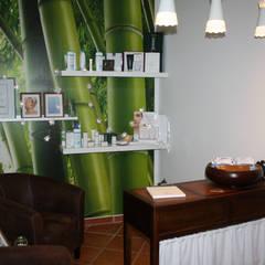 Kosmetik-Lounge:  Geschäftsräume & Stores von WOHNgut