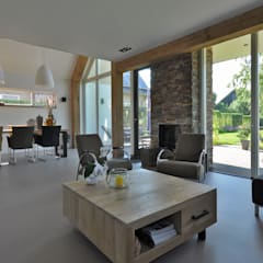 Woonkamer: moderne Woonkamer door Bongers Architecten