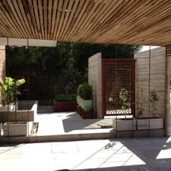 macetones: Jardines de estilo  por BAIRES GREEN